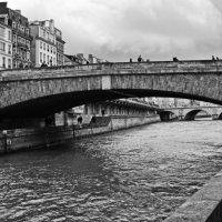 Мост в Париже :: Валентина Потулова