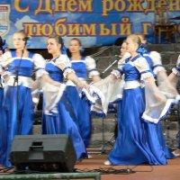 Танец - дело серьезное! :: Людмила Жданова