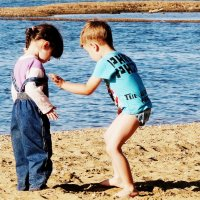 Дети и море... :: Лилия Гиндулина