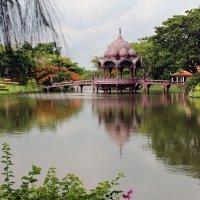 Таиланд. Беседка на озере :: Владимир Шибинский
