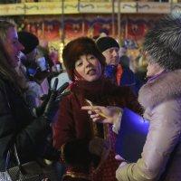 На новогодней Ярмарке у ГУМа :: Евгений Поляков