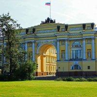 Арка здания Сената и Синода. :: Александр Лейкум