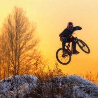 Велодром на закате :: Владимир Колесников