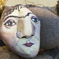 С каменным выражением лица :: Геннадий Валеев