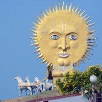 Индия. Карнатака. Мурдешвар. Колесница Бога Солнца :: Минихан Сафин