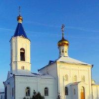 деревенская церковь :: Олег Петрушов