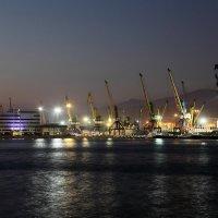 Морской торговый порт в Новороссийске :: Валерий Князькин