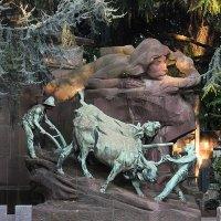 Надгробие. Миланской пoгост. :: Alexander Amromin