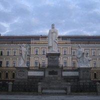 Памятник княгини Ольги в Киеве. :: Алина Тазова