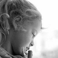А мне бы не сидеть, приплющив нос к  окошку... :: Ирина Данилова