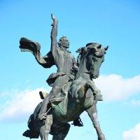 Тирасполь. Памятник Суворову. :: Elenn S