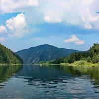 По течению реки... :: Наталья Юрова