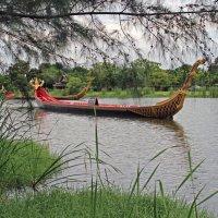 Таиланд. Старинная лодка :: Владимир Шибинский