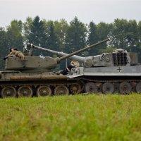 Танковый таран :: Максим Бочков