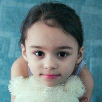 ах этот детский взгляд.. :: Михаил Фенелонов