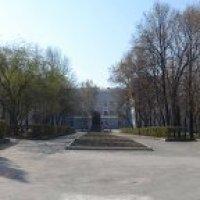 Площадь у здания УПИ :: Евгений Никулин