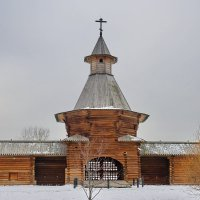 Проездные ворота Николо-Корельского монастыря. :: Юрий Шувалов