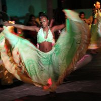 Танец :: Лариса Акбашева