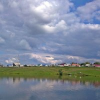 Пруд перед дождём :: Владимир Арефьев