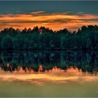Летним вечером на Днепре. :: Константин Ушмаев