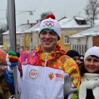 Эстафета Олмпийского огня :: Алексей Клименко