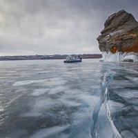 *Короткое путешествие по Байкалу в пасмурную погоду**** :: Павел Федоров