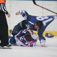 В хоккей играют настоящие мужчины :: Вячеслав