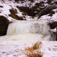 Замёрзший водопад :: Денис Матвеев
