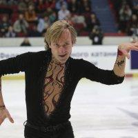 Евгений Плющенко снялся с соревнований :: Вячеслав