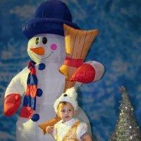 Заяц, снеговик... :: Николай