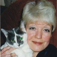 Мама Яны с моей кошкой Дашкой :: Лидия кутузова