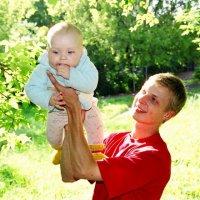 Папа с сыном... :: Михаил Ковалев