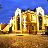 Библиотека :: Михаил Костреца