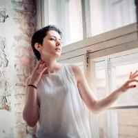 А ночью она вылетала в окно... :: Анна Киселева