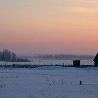 Какая гладь, какой простор, какой покой в снегах таится... :: Евгений Юрков