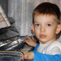 юный пианист :: Юлия Мошкова