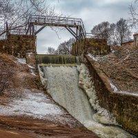 Водопад на реке Стрелка (Стрельна СПб) :: Ярослав Трубников