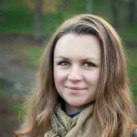 Осенний портрет 2 :: Артем Шлычков