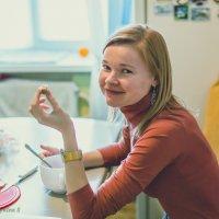 Этюд перекус на кухне. :: Сергей Бурыкин