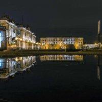 Вечерняя Дворцовая площадь из Александровского сада :: Valeriy Piterskiy