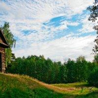Домик на окраине села :: Валерий Бочкарев