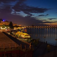 Жизнь вечернего города :: Denis Aksenov