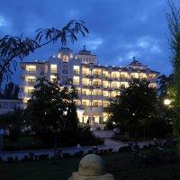 Ночной отель :: Александр Ефанов