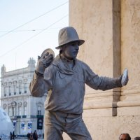 Человек-скульптура :: Alexey Bogatkin