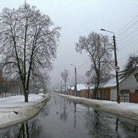 Весенняя улица :: Сергей Тарабара