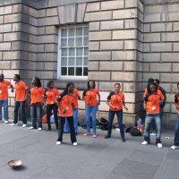 Уличные выступления артистов в Эдинбурге :: svk