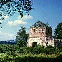 Церковь в Тараканове :: Валерий Талашов