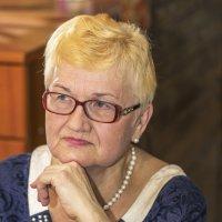 Бабушка :: Виктор Салищев