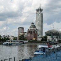 прогулка по Москве реке :: Лариса *