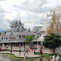 Таиланд. Чанг-Рай. Часть комплекса Белого храма :: Владимир Шибинский